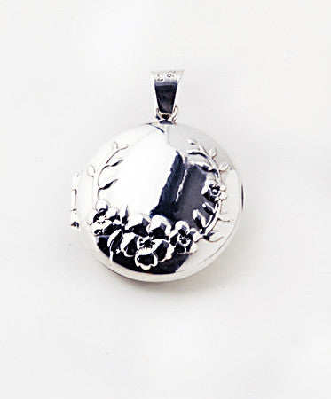 Luxury round .925 silver locket closed