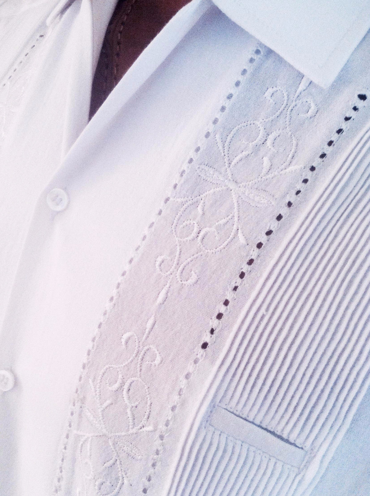 Luxury Authentic Mens White embroidered Guayabera short sleeve detail