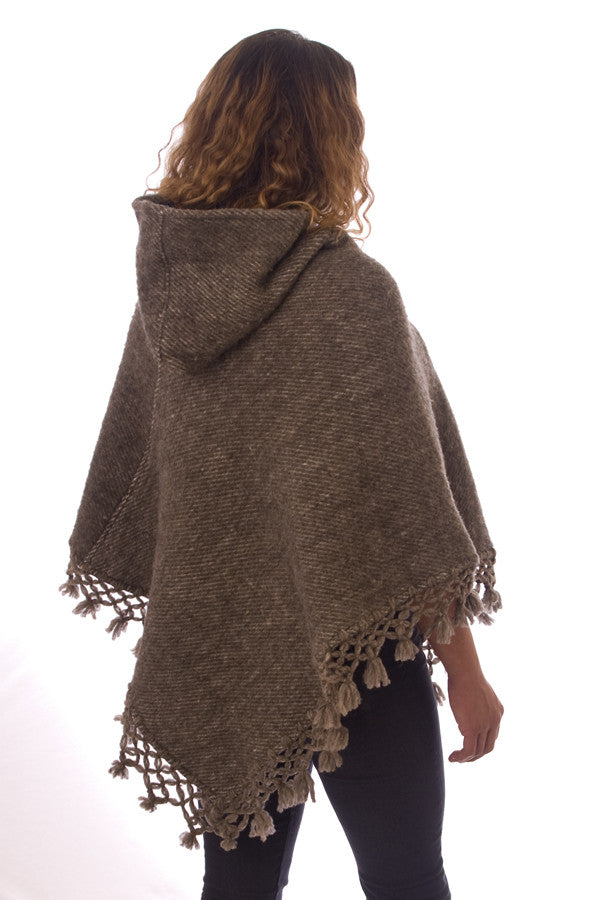Kesquemitl V Shaped Mexican Wool Poncho with Hood, Grey