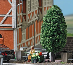 Busch 7841 Action Set: Woman with handcart