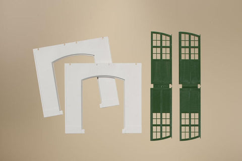 Auhagen 80705 OO/HO 2 Plastered walls with green gates