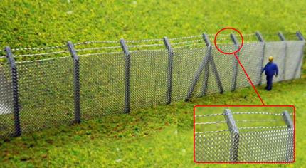 Security Fencing With Barbed Wire Kit OO Scale