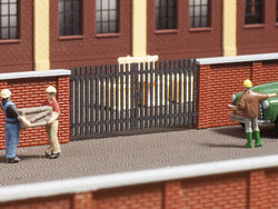 Auhagen 44639 N Gates for 44638 (Brick wall). 4 pieces.