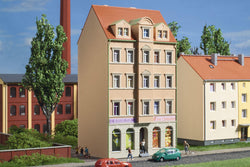 Auhagen 14477 N 4 storey town house and shop