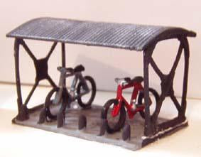 Bike Shed & 2 Bikes - N Gauge