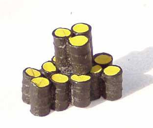 Stack Of Oil Drums Factory Painted - N Gauge