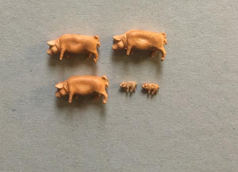 Pigs Factory Painted - OO Gauge
