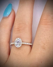 Load image into Gallery viewer, Oval Cut 0.55 CTW Diamond Halo Engagement Ring D-E/VS Grade