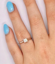 Load image into Gallery viewer, 950 Platinum 0.60 Carat Princess Cut Solitaire E/VS2