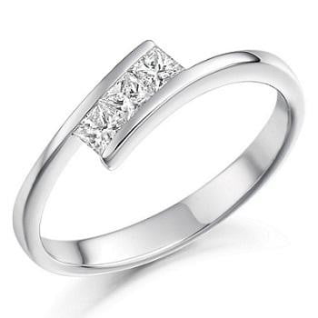 950 Platinum Princess Cut Diamond Trilogy Ring 0.26 CTW - Pobjoy Diamonds