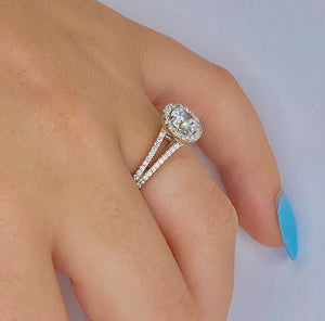 950 Platinum Round Brilliant Cut Halo Diamond Ring 0.90 CTW - Tuscany F/VS1