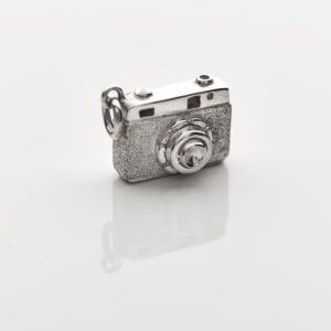 Sterling silver camera pendant, south african jewellery designer, photography, photographer, Exclusivity by Design