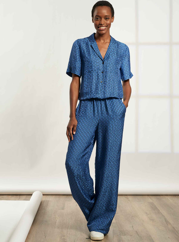 Spencer Short Sleeve V-Neck Collared Jumpsuit - Cornflower Blue Circle Geo Print