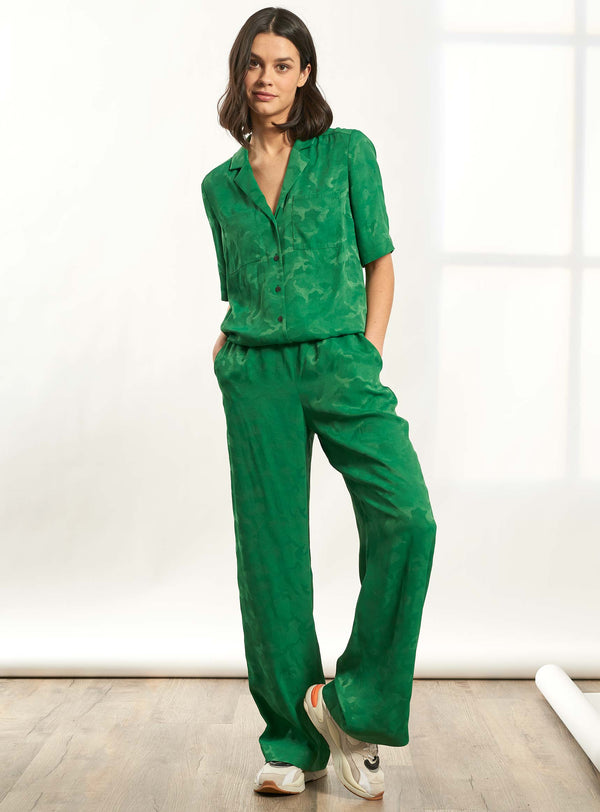 Spencer Short Sleeve V-Neck Collared Jumpsuit - Emerald Green Camo Jacquard