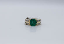 Load image into Gallery viewer, Emerald Gold Ring