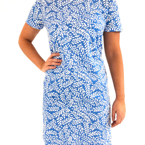 short sleeve knit dress in twigs periwinkle