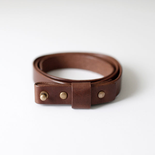7115 Leather Buckle-less Belt - Brown