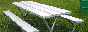 5 Reasons to Include Metal Picnic Tables in Every Park
