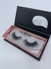 Load image into Gallery viewer, Majesty Mink Lashes - Mink & Honey Beauty
