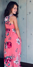 BAYLOR Sleeveless Maxi Dress with Pockets
