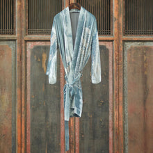 Load image into Gallery viewer, Embossed Silk Velvet Robe Mid