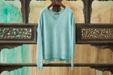 Load image into Gallery viewer, Women's Pullover Cashmere Sweater