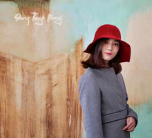 Load image into Gallery viewer, Angora Wool Hat Rouge