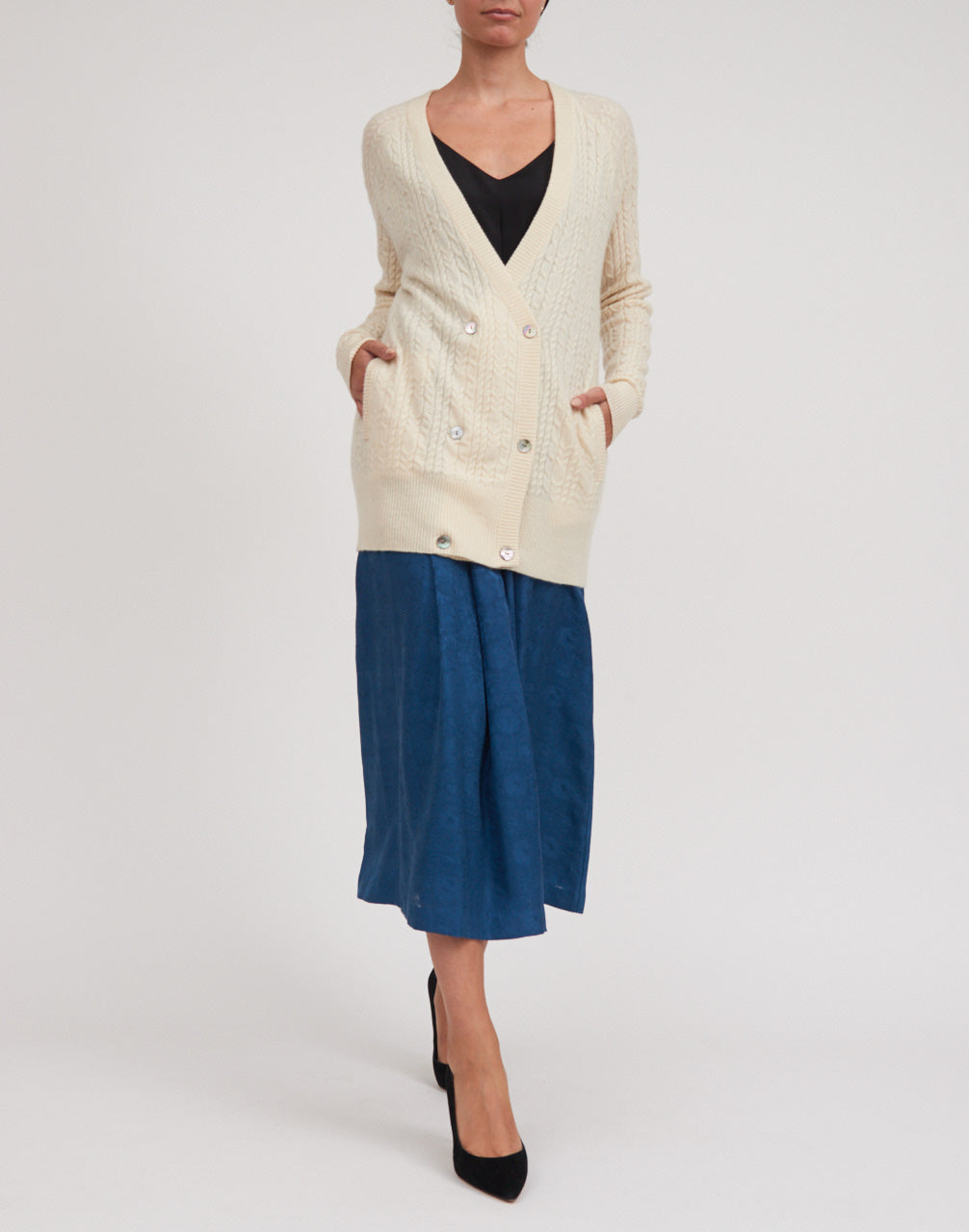 Women's Cashmere Cable Cardigan w/ MOP Buttons