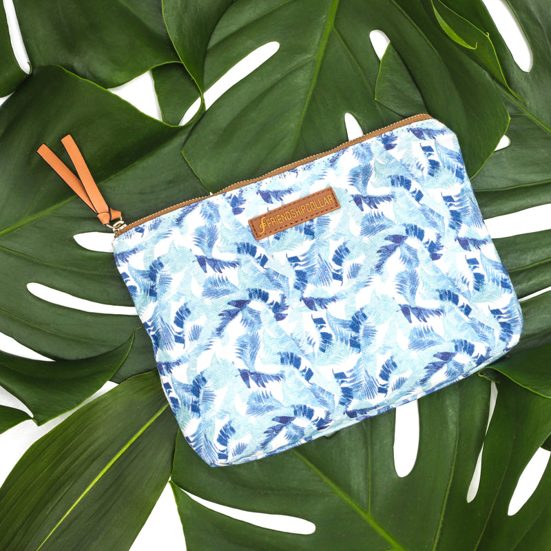 Island Vibes Pouch Bag🌴