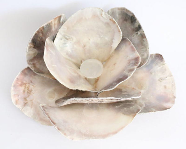Shell flower candle holder