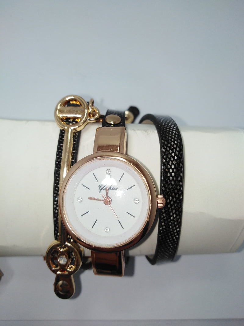 Bracelet watch black and gold for women