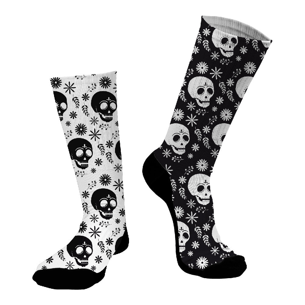 Κάλτσες #doyoudaresocks Digital Printed SuperSport Black & White Skulls (code 70035)