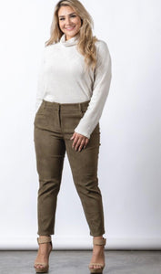Plus size vegan suede ankle stretch women pant. Beautiful for fall/winter 98% Polyester 2% Spandex