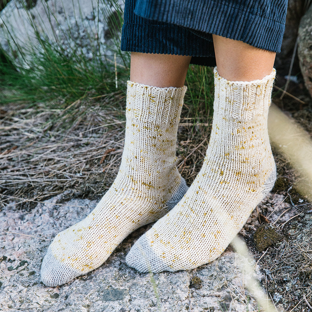 AVFKW x Laine - Lazy Daisy Sock Kit from 52 Weeks of Socks - PRE-ORDERS OPEN