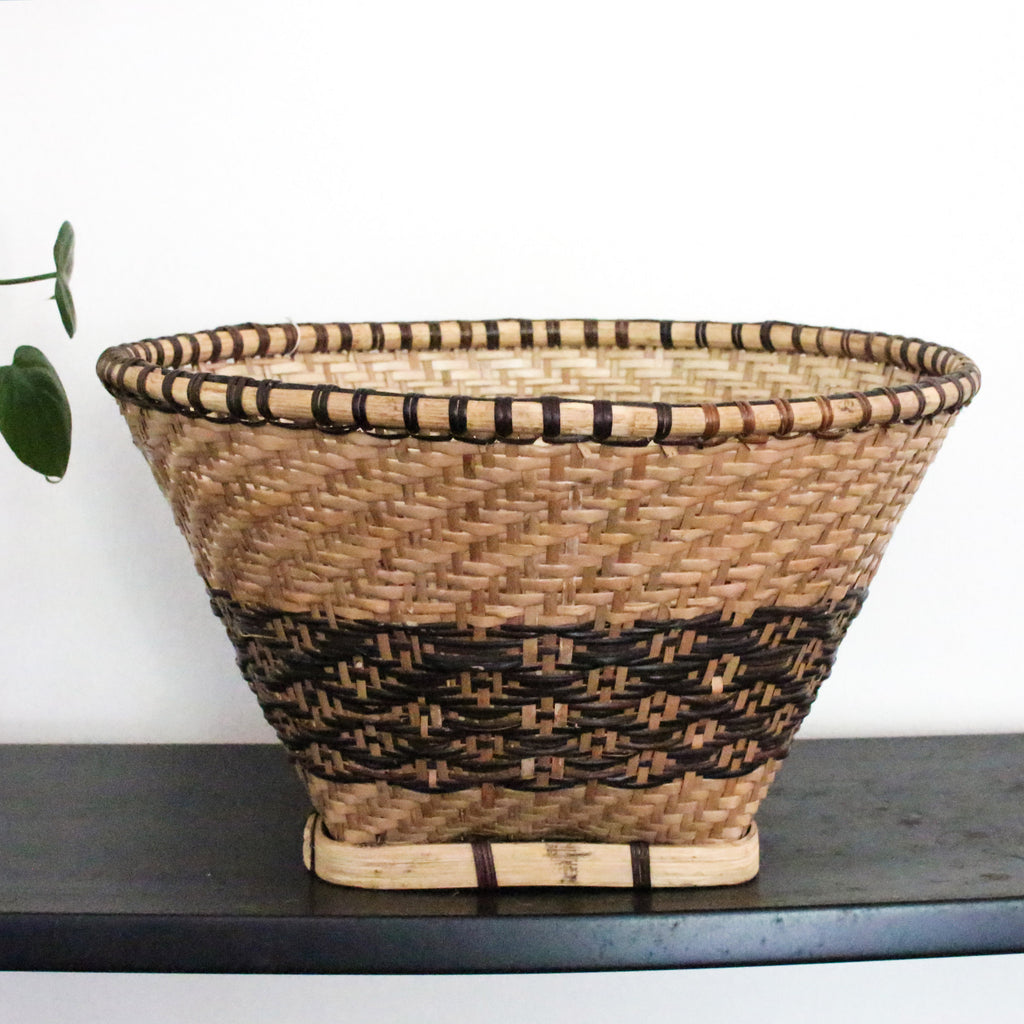 Two tone vintage basket