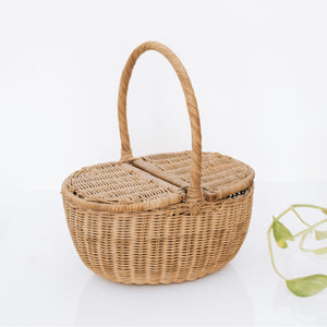 Small vintage wicker picnic basket