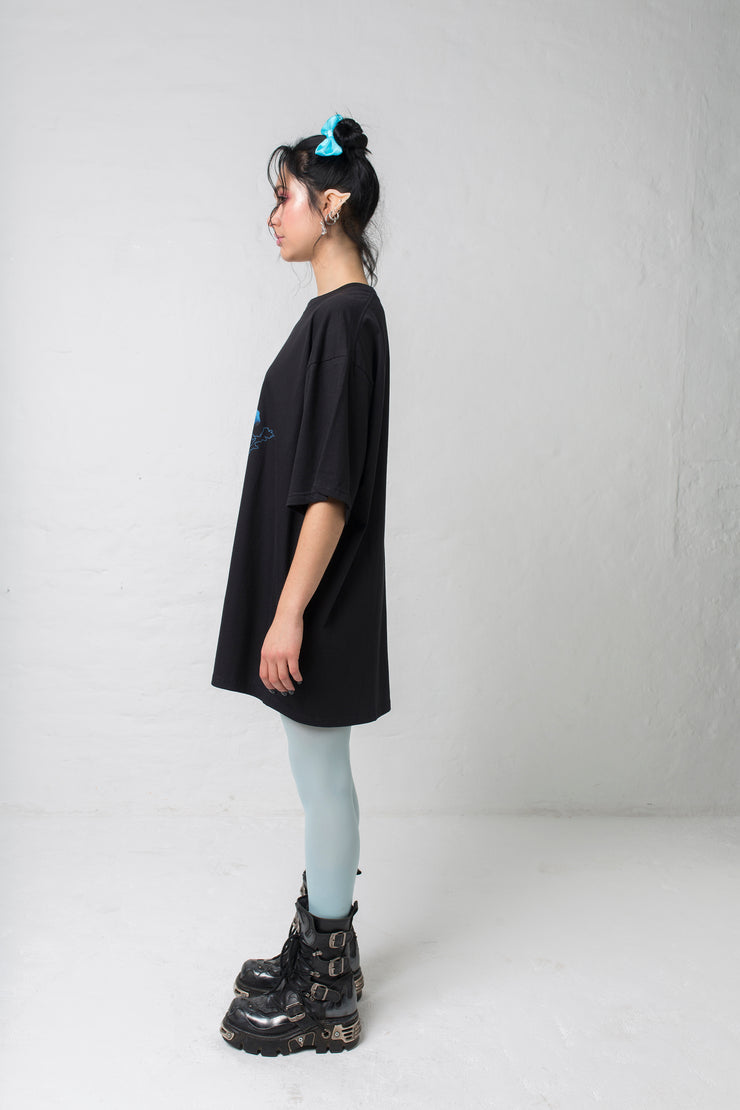 fashion brand BONDY photoshoot showcasing handmade CORA black and blue 100% cotton 90&