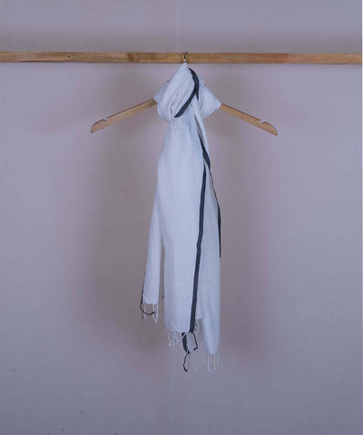 White handwoven cotton stole
