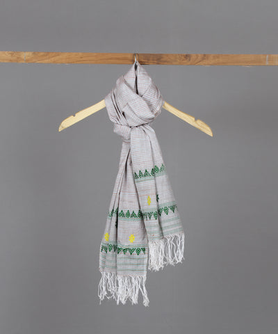 Beige Assam stole with green motif