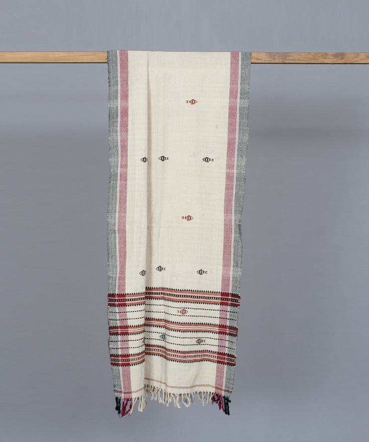 Offwhite kotpad stole in maroon fish motif