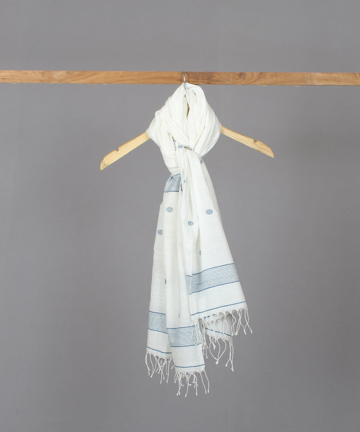 Blue floral motif in white jamdani stole