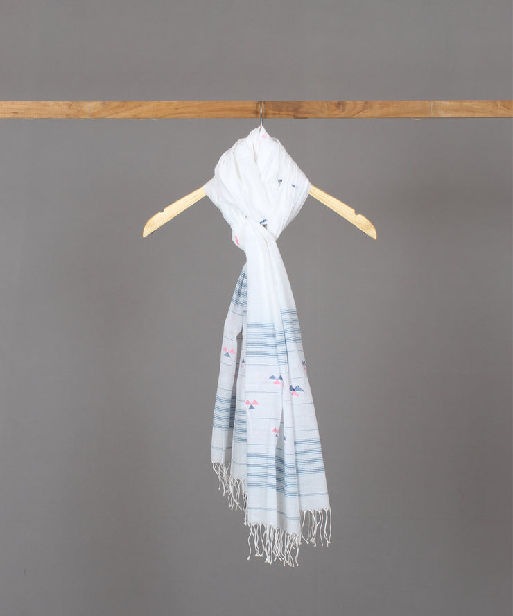 Blue abstract motif in white jamdani stole