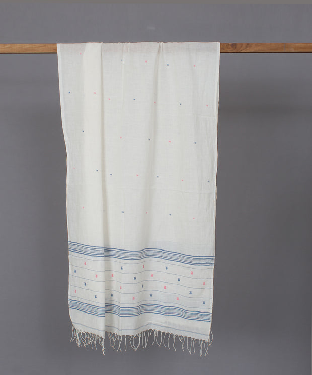 Natural white muslin stole in jamdani motif