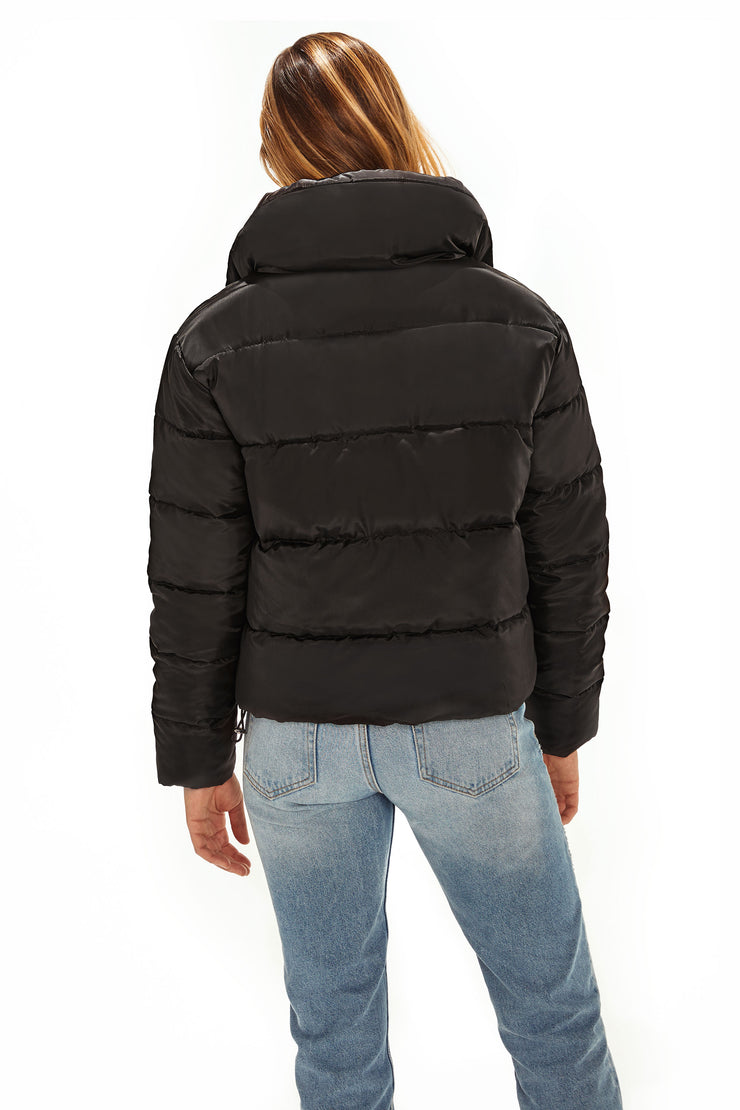 Juniors' Puffer jacket cropped black back