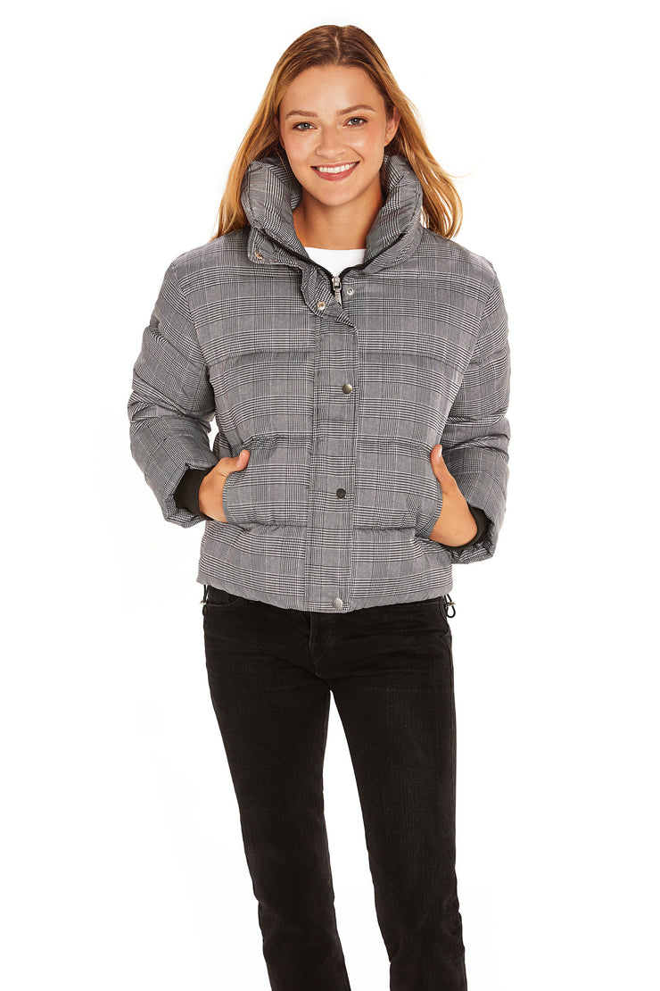 Juniors' Puffer jacket cropped plaid front