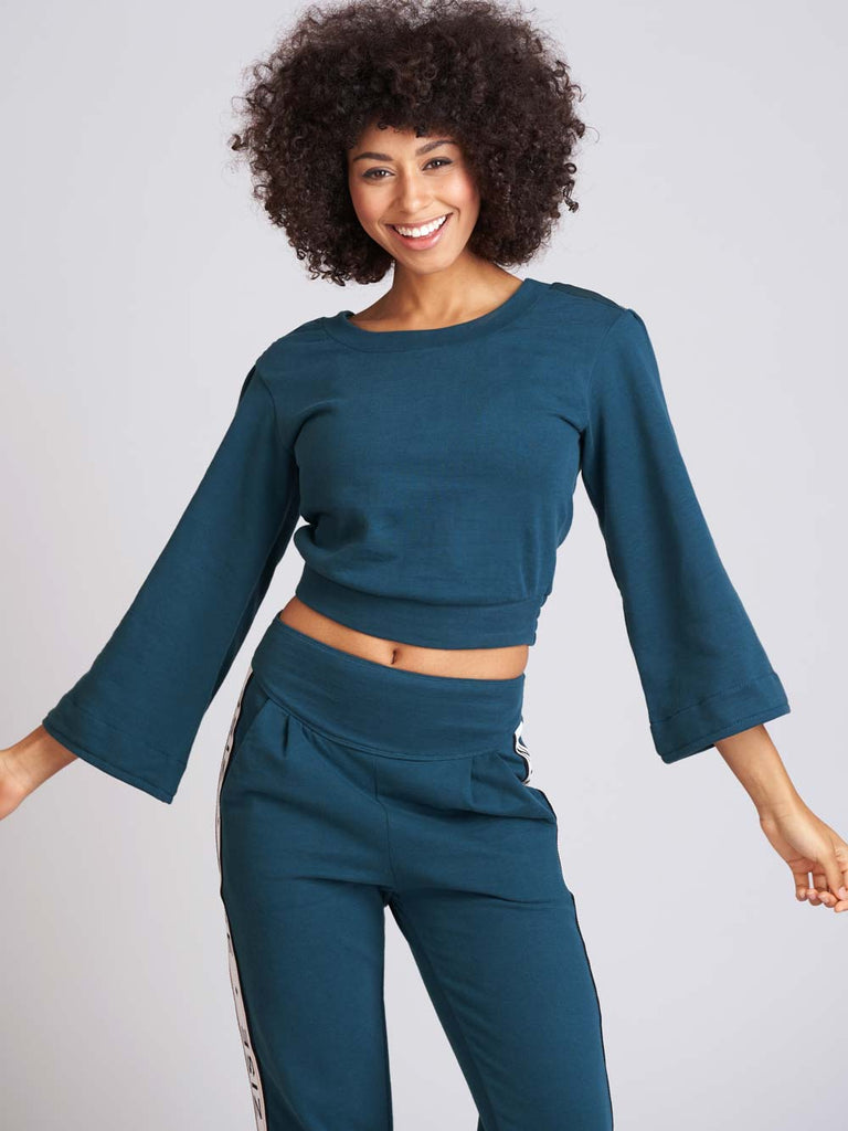 ZZ5040 - Zise Margot Bell Sleeve Womens Cropped Sweater Top