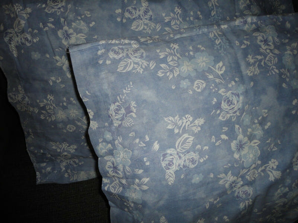 VINTAGE MERVYN'S BLUE & WHITE FLORAL (PAIR) KING PILLOWCASES 20 X 40 NEW