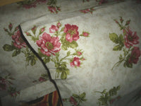 VINTAGE MERVYN'S ALL OVER FLORAL RED GREEN FLANNEL (2) KING PILLOWCASES 20X40