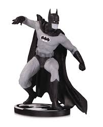 Batman - Black & White Gene Colan Statue