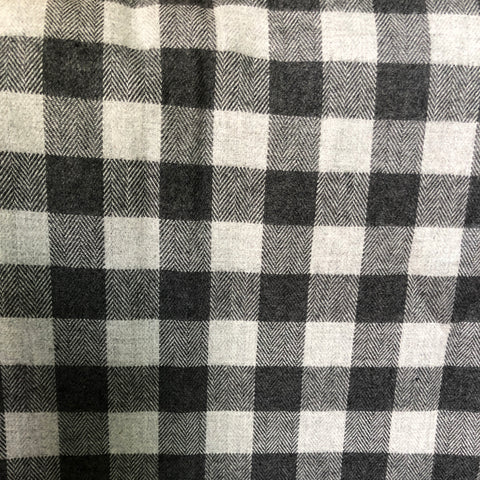 black-and-white-flannel-cotton-fabric-india